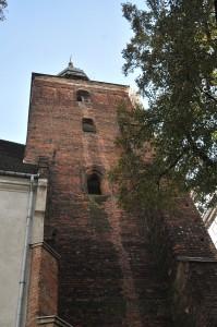 Północna elewacja wieży - stan zachowania stolarki okiennej