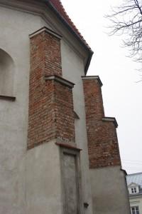 szkarpy wokół prezbiterium (strona wschodnia)